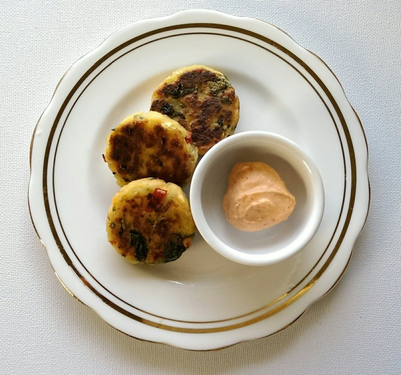 Salmon fishcakes with Creme au Chili